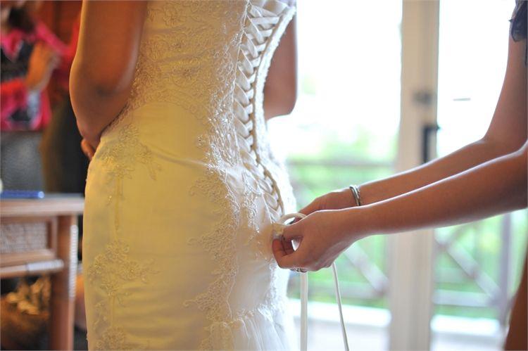 הטרנד הסקסי חוזר: שמלות כלה צמודות 1