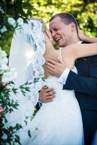 מתחתנים ובוכים: הגברים שהתרגשו בחופה